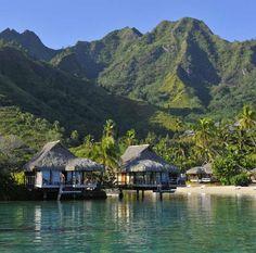 Overwater bungalow - InterContinental Moorea Resort