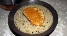 Przepis na francuską zupę cebulową z grzankami: Troszkę rozwinięta wersja klasycznej francuskiej zupy cebulowej podawanej z serowymi grzankami. Cheddar, Hummus, Bread, Cooking, Ethnic Recipes, Food, France, Kitchens, Kitchen