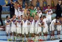 Tài trợ cho 10 đội tuyển, Nike là hãng đồ dùng thể thao tài trợ cho nhiều đội tuyển nhất tại World Cup 2014. Đây là lần đầu tiên trong lịch ...  http://ole.vn/lich-phat-song-bong-da.html http://ole.vn/xem-bong-da-truc-tuyen.html http://xoso.wap.vn/ket-qua-xo-so-mien-bac-xstd.html http://giamcaneva.com http://ole.vn/ty-le.html http://ole.vn/tip-bong-da.html