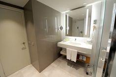 Fira Palace Hotel (Bathroom)