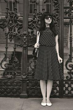 BLACK AND WHITE_Katharine-fashion is beautiful_Katarína Jakubčová_Polka dots_Fashion blogger_fashionisbeautiful #chic #skirt #inspiration #dots #polka #trend #summer #black&white