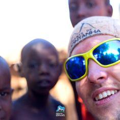 O @GentedeMontanhaOficial vai para o Kilimanjaro em junho. Vamos nessa Expedição Solidária à montanha mais alta da África? Não iremos somente alcançar o teto da África mas também participar de uma ação beneficente. Parte do lucro será revertida para a Kilimanjaro Children Foundation e uma escola que conta com 250 crianças e outra para o Kilimanjaro Orphanage Centre com mais 65 crianças de 4 a 7 anos.  #GentedeMontanha #AltaMontanha #Montanhismo #Mountains #7CUMES #Kilimanjaro #Africa #Spot…