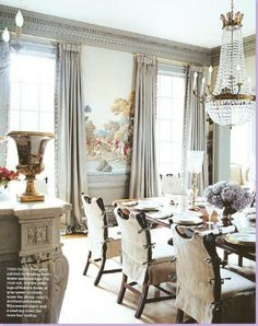 "Dreaming of de Gournay  An Uber-French Dining Room by Suzanne Kasler featuring de Gournay's ""La Chasse de Compeigne""}"