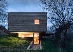 Rural retreat by architects Josemaria de Churtichaga and Cayetana de la Quadra-Salcedo.