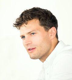 #JamieDornan scruff