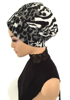 Turban Hat, Turban Style, Turban Tutorial, Hair Accessories For Women, Fashion Accessories, Cotton Hat, Fancy Hats, Beautiful Hijab, Cut Shirts