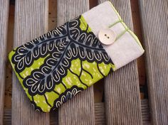 Green Iphone 6 Pouch / Iphone 6 padded case / Nexus 5 by Driworks