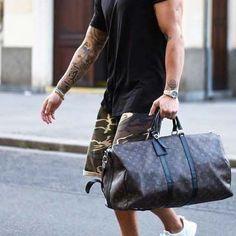 Gym time after work //mens fashion // gym bag // sunglasses // watches // mens fashion // urban men // boys // style // menswear // mens short // - clothing Latest Mens Fashion, Mens Fashion Suits, Urban Fashion, Boy Fashion, Fashion Menswear, Mens Fashion Bags, Short Man Fashion, Street Fashion, Fashion Shorts