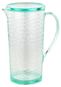 Nothing is more enjoyable like a summer garden party with your loved ones. You can now put it together and host without the fear of breaking your juice (or any favourite beverage) jug with this acrylic jug with a lid. Flute Glasses, White Wine Glasses, Champagne Flutes, Jamie Oliver, Summer Garden, Carafe, Bordeaux, Pure Products, Canning