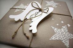 Und hat das Christkind Eure Geschenke schon alle eingepackt? Unser Christkind mußte sich heute erstmal mit neuem Papier eindecken (IKEA hat ...