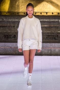 Alexander Wang Spring 2020 Ready-to-Wear Fashion Show Collection: See the complete Alexander Wang Spring 2020 Ready-to-Wear collection. Look 54 Fashion Runway Show, Fashion Show Collection, Fashion 2020, Spring Fashion, Summer Collection, High Fashion, Women's Fashion, Alexander Wang, Backstage