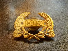 Vintage US Army ROTC Wreath Cap Badge WWII emblem military officer training