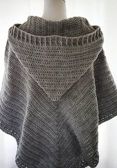 Easy Free Crochet Poncho Patterns Ideas for Women Crochet Projects 2019 - Page 30 of 34 - hairstylesofwomens. com clothes for women free Easy Free Crochet Poncho Patterns Ideas for Women Crochet Projects 2019 - Page 30 of 34 - hairstylesofwomens. Col Crochet, Crochet Woman, Diy Crochet Poncho, Crochet Bee, Crochet Patterns Free Women, Knitting Patterns, Crochet Shawl Patterns, Sewing Patterns, Knitting Ideas