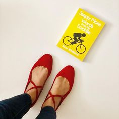 What are you reading today? #feelingcolorful #booksandsunshine #redshoes #books #bookstagram #bookcommunity #readers #sunnyday #dayoff…