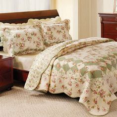 Greenland Home Fashions Bliss Reversible Quilt Set