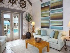 Beach House Decorating Ideas woth wooden table