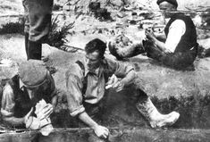 WORKERS EATING PASTIES | No details of time, place or context - possibly in the Clay Country near St Austell.    (Pic. posted by Anne Lenten to Cornish Pasty Appreciation Group on 16 March 2019)     ✫ღ⊰n Cornish Pasties, Lenten, 16 March, Appreciation, Clay, Group, Country, Cornwall, Clays