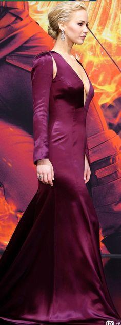 Jennifer Lawrence looking gorgeous.