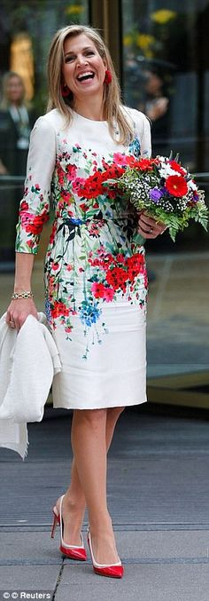 Queen Maxima and daughter of the US Ivanka Trump in Berlin Ivanka Trump, Dutch Queen, Red And White Flowers, Yellow Roses, Purple Flowers, Pink Roses, Style Royal, Estilo Fashion, Queen Maxima