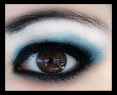 blue eye shadow with black eyeliner