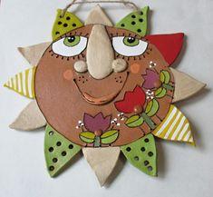 Sluníčko / Zboží prodejce Keramika Javorník | Fler.cz Projects For Kids, Crafts For Kids, Ceramic Wall Art, Outdoor Art, Pottery, Clay, Christmas Ornaments, Holiday Decor, Masks