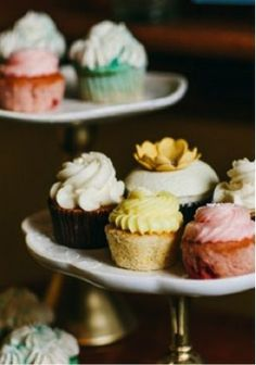 Yummy vintage colored cupcakes!