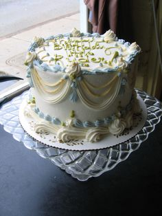 old fashioned swags! though the cake and colors vary, they will always look good. magpies bakery, knoxville tn