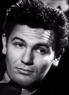We lost a great actor at the age of John Garfield was one of the most popular film stars in the movies. Hollywood Men, Golden Age Of Hollywood, Vintage Hollywood, Hollywood Stars, Classic Hollywood, Vintage Movie Stars, Vintage Movies, John Garfield, Before Us