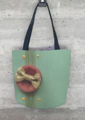 Seafoam button tote: What a beautiful product!