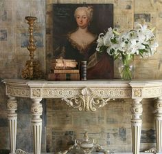 .Wonderful Console Table and Beautiful Art