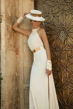 Moderno abito da sposa  weddingandliving14 Abiti Da Sposa Firmati bbe8f933a5f