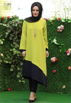Öz Şirin Kolyeli Tunik-Açık Yeşil-5015 Modern Hijab Fashion, Islamic Fashion, Abaya Fashion, Fashion Outfits, Womens Fashion, Kurtha Designs, Hijab Style, Beautiful Hijab, Mode Hijab