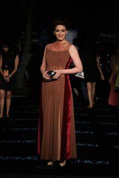 Lakme Summer Resort 2014 Manish Malhotra Sonali Bendre in long brown suit