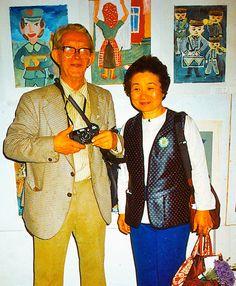 Märt Bormeister jun.:Märt Bormeister sen. ja Sumiko Nagao Laste Loomingu Majas .Näituse avamisel.