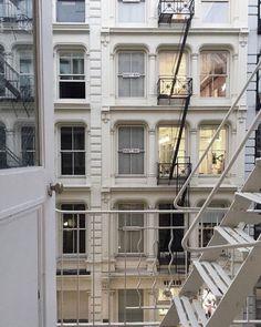 City Aesthetic, Travel Aesthetic, Aesthetic Anime, Apartamento New York, Arquitectura Wallpaper, Future House, Design Jardin, Dream Apartment, White Apartment