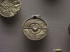 Anglo saxon 5th 8th c on pinterest anglo saxon sutton hoo and british museum - Cabinet anglo saxon paris ...