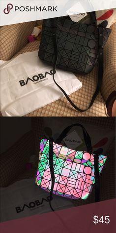 BaoBao Bag Geometry luminous tote Luminous Geometric BaoBao Bag. When light  hits the bag at b9246fa9b81ac