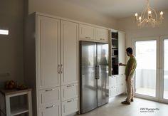 Σύγχρονοι , τελευταίας γενιάς , μηχανισμοί blum προσφέρουν ιδανικές λύσεις εξοικονόμησης χώρου και πρακτικότητας στην κουζίνα σας