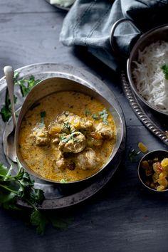 Murgh Korma (Chicken in Cashewnut & Cream Sauce)
