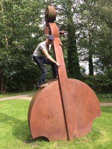 double bass and bass guitar, Philip Baumgarten
