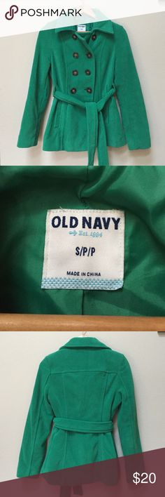 "Green fleece pea coat Gently worn Old Navy green fleece pea coat. Size small. The body is made from 100% polyester and the lining is also 100% polyester. Approximate chest measurement is  17.5"" and approximate length from shoulder is 26"". Old Navy Jackets & Coats"