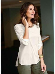 985ee3ffb Esta femenina blusa te dará mucho juego permitiéndote vivir la moda a tu  aire