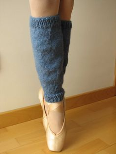 Best Fashion Advice of All Time – Best Fashion Advice of All Time Loom Knitting, Knitting Socks, Knit Socks, Crochet Fabric, Knit Crochet, Ballet Shoes, Dance Shoes, Crochet Leg Warmers, Ballet Photography