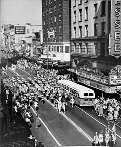 Gay Street Parade 1955 Photo Vintage, Old Images, East Tennessee, Stucky, Best Memories, Historical Photos, Baltimore, The Past, Street View