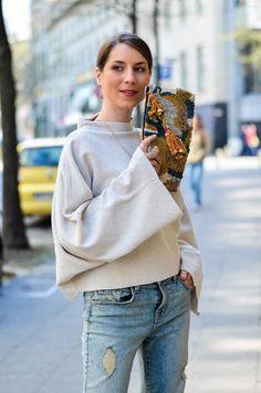 OUTFIT - FLEDERMAUSÄRMEL & CROPPED JEANS - Look / Street / Style / flared / sleeves / mango / denim / jbrand / boho / bohemian / Zara / clutch / bag / Tasche / chic / casual / parisian / parisienne / blog / Blogger / Deutschland / Germany / spring / summer / trend /