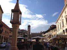 The market ! Verona, Hungary, Big Ben, Adventure, City, Travel, Beautiful, Voyage, Viajes