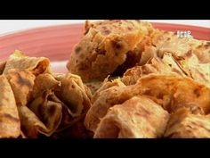 Popular Videos – Turban Tadka - YouTube Cooking Videos, Food Videos, Cooking Recipes, Recipe Videos, Indian Vegetarian Dishes, Indian Food Recipes, Pulses Recipes, Indian Breads, Chapati