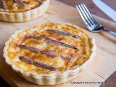 Kleiner Kuriositätenladen: Gruyére-Tartelettes mit Anchovis