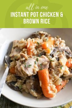 All-in-one Instant Pot Chicken and Brown Rice - Easy Recipe Dinner Clean Eating Snacks, Healthy Eating, Healthy Kids, Healthy Food, Chicken And Brown Rice, Brown Rice Recipes, Snacks Sains, Healthy Dinner Recipes, Easy Recipes
