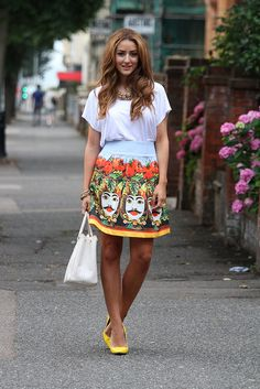 graphic print skirt with chic top